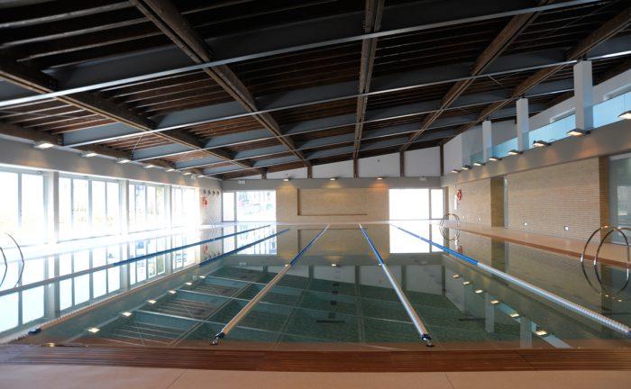 Equipamientos deportivos cots i claret for Piscina municipal manresa