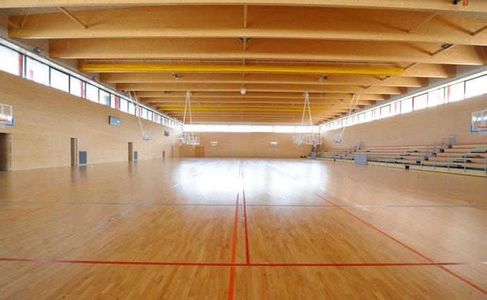 Equipaments esportius cots i claret for Piscina municipal manresa